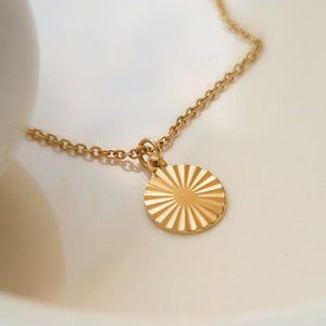 NEW 18K Gold Plated Textured Round Coin Necklace
